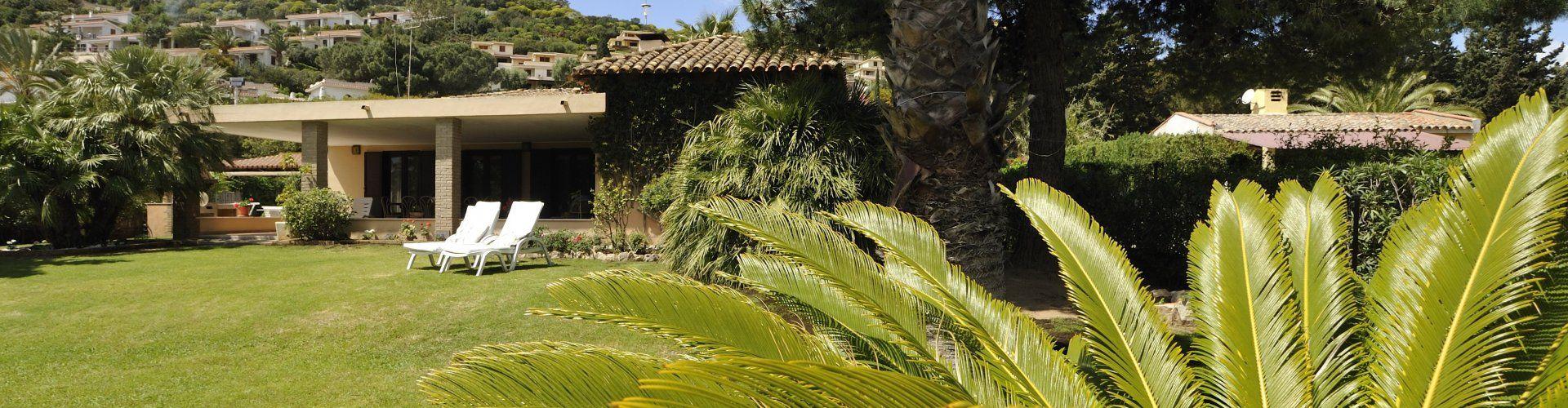 Großer, weitläufiger und schön gestalteter Garten