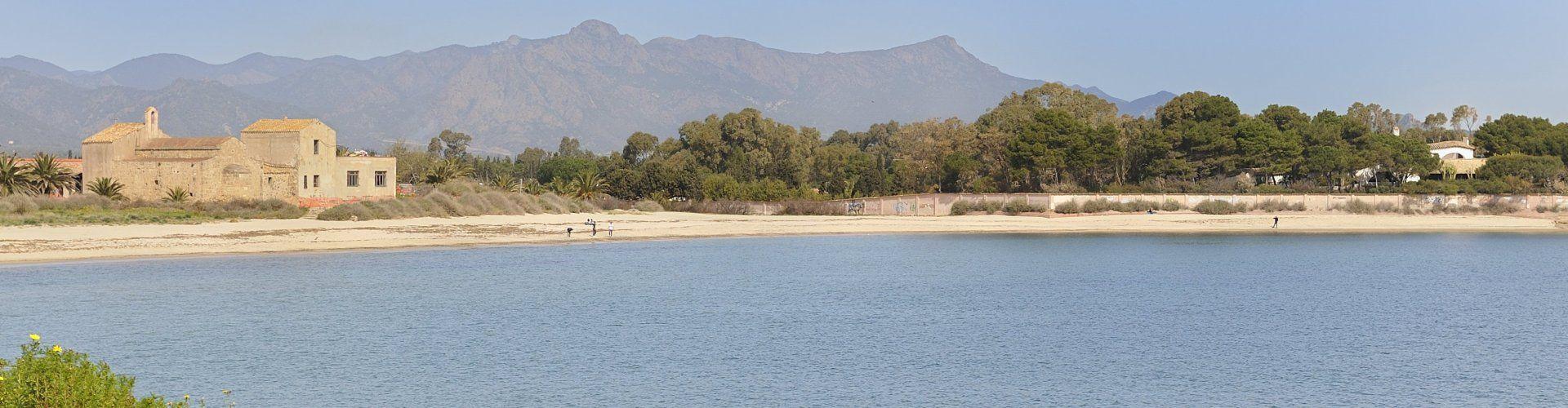 Blick auf Su Faru mit Strand