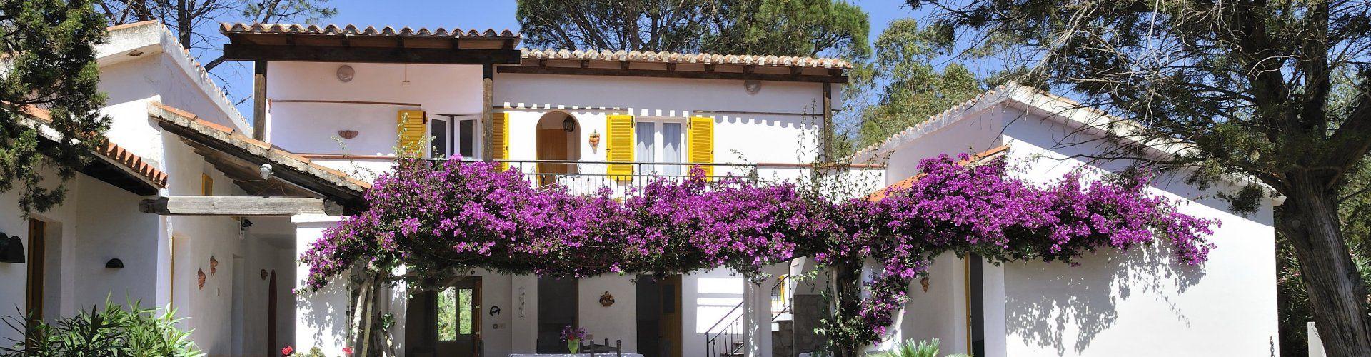 Villa mit Terrasse und Balkon in Süd-Ost Sardinien