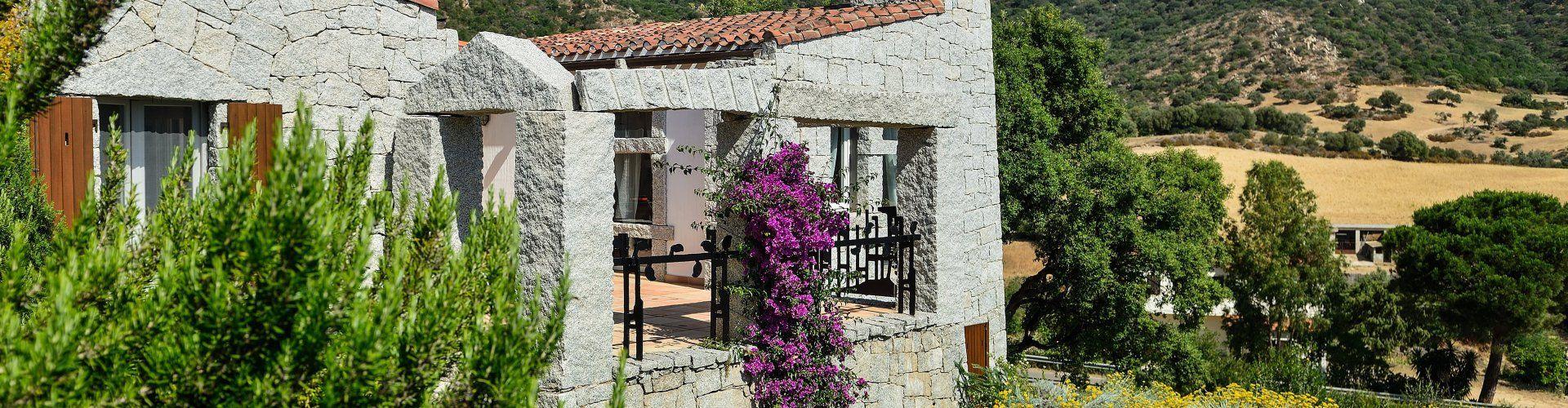 lichtdurchflutete Villa in Süd-Ost Sardinien mit Gemeinschaftspool