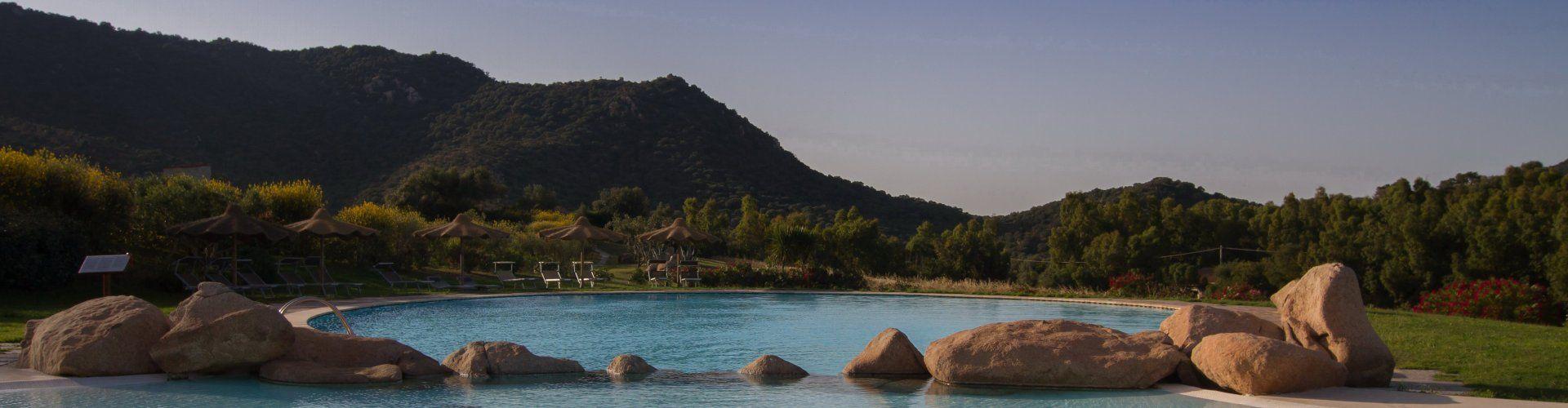 Ferienvilla mit Meerblick und Gemeinschaftspool in Süd-Ost Sardinien