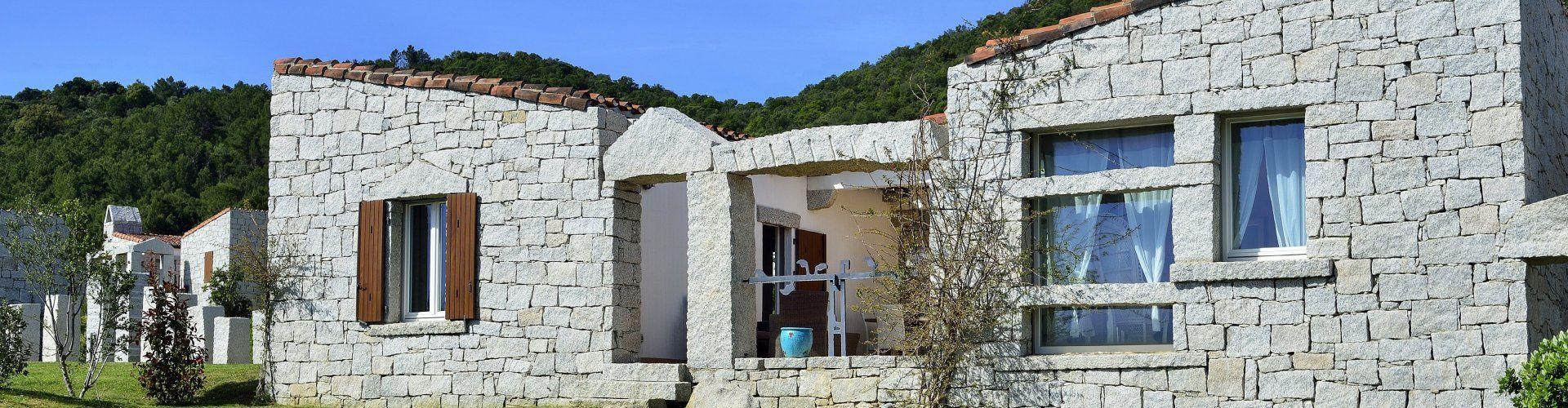 moderne Ferienvilla mit Meerblick im Südosten Sardiniens