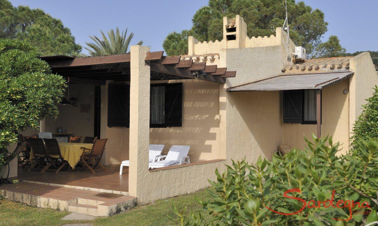Terrasse und Garten von Villa Serena, Costa Rei