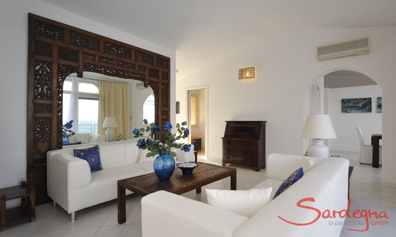 Wohnzimmer mit moderner Sofaecke