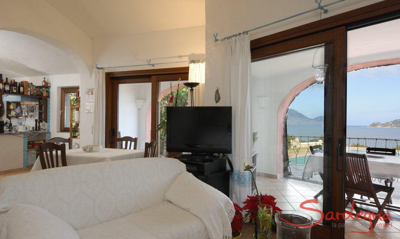 Blick auf die Tavolara vom Wohnzimmer