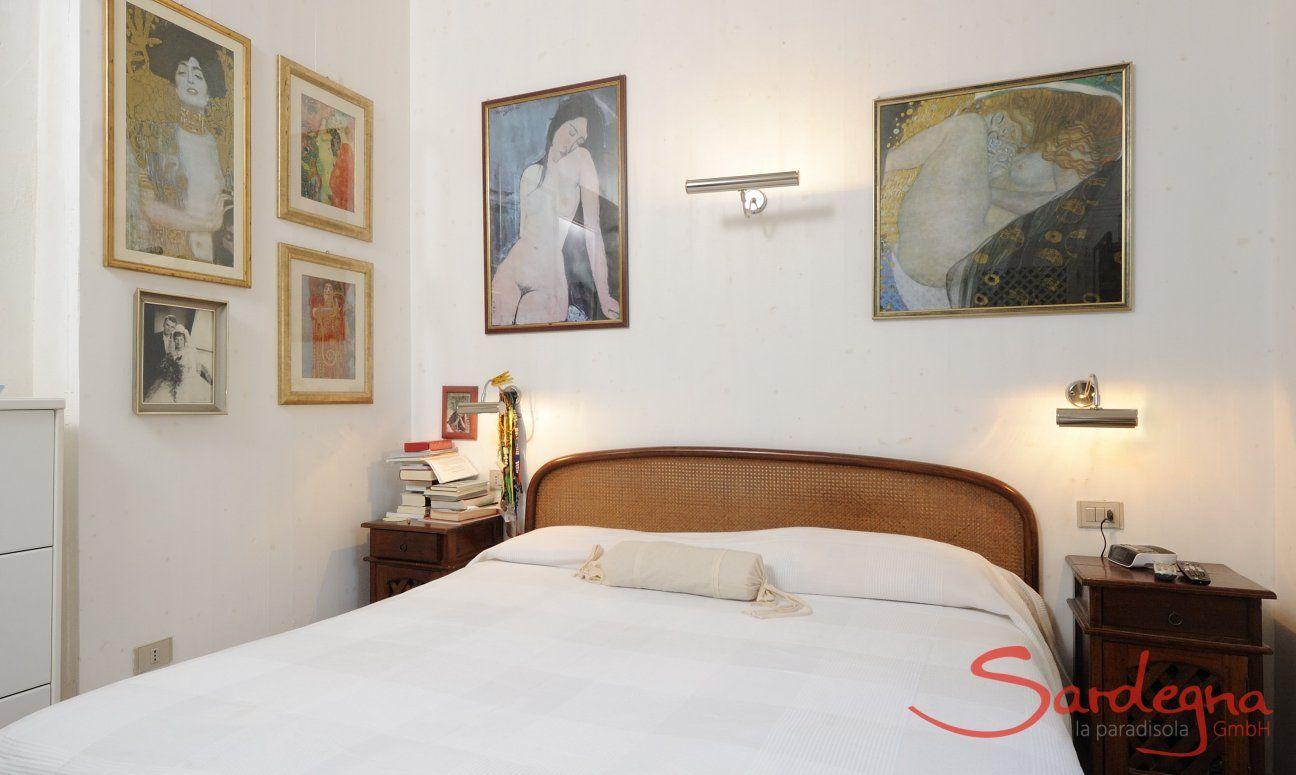 Schlafzimmer 1 (OG) mit Doppelbett