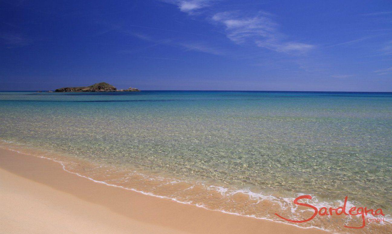 Chia | Klares Meer vor dem Strand Arveskida