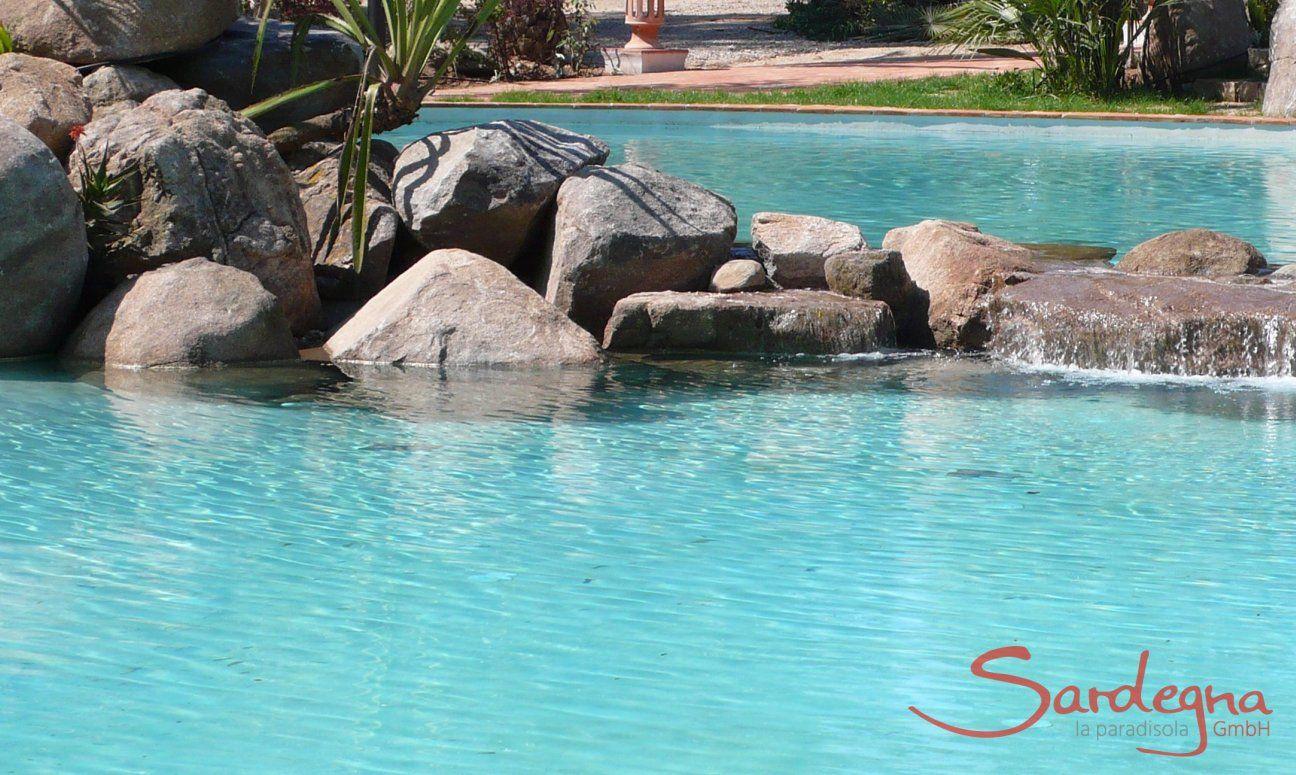 Gemeinschaftspool mit Granitfelsen Li Conchi, Cala Sinzias