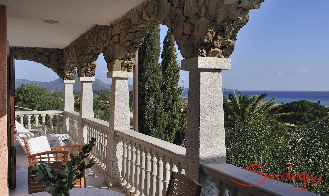 Relaxen auf der Terrasse der Castededdu 7
