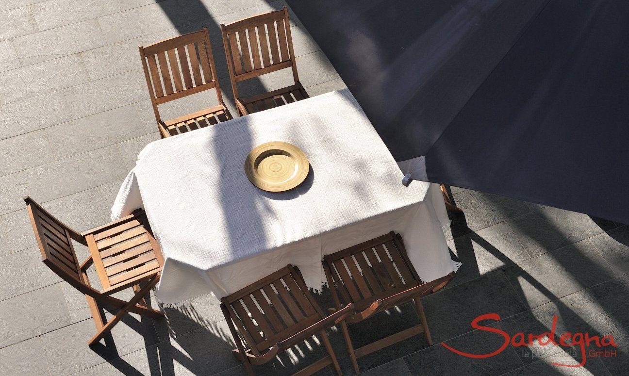 Sitzplatz auf der Terrasse von oben