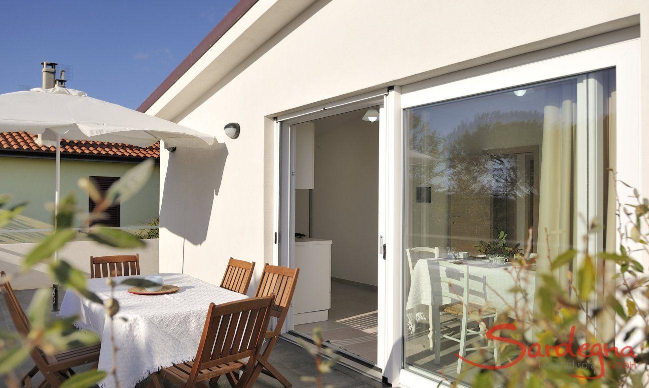 Terrasse mit Küchenzugang