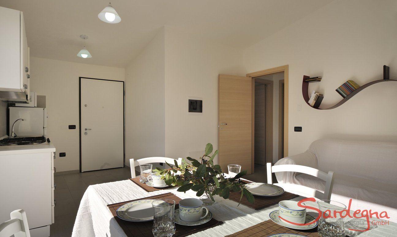 Heller Wohn- und Küchenbereich