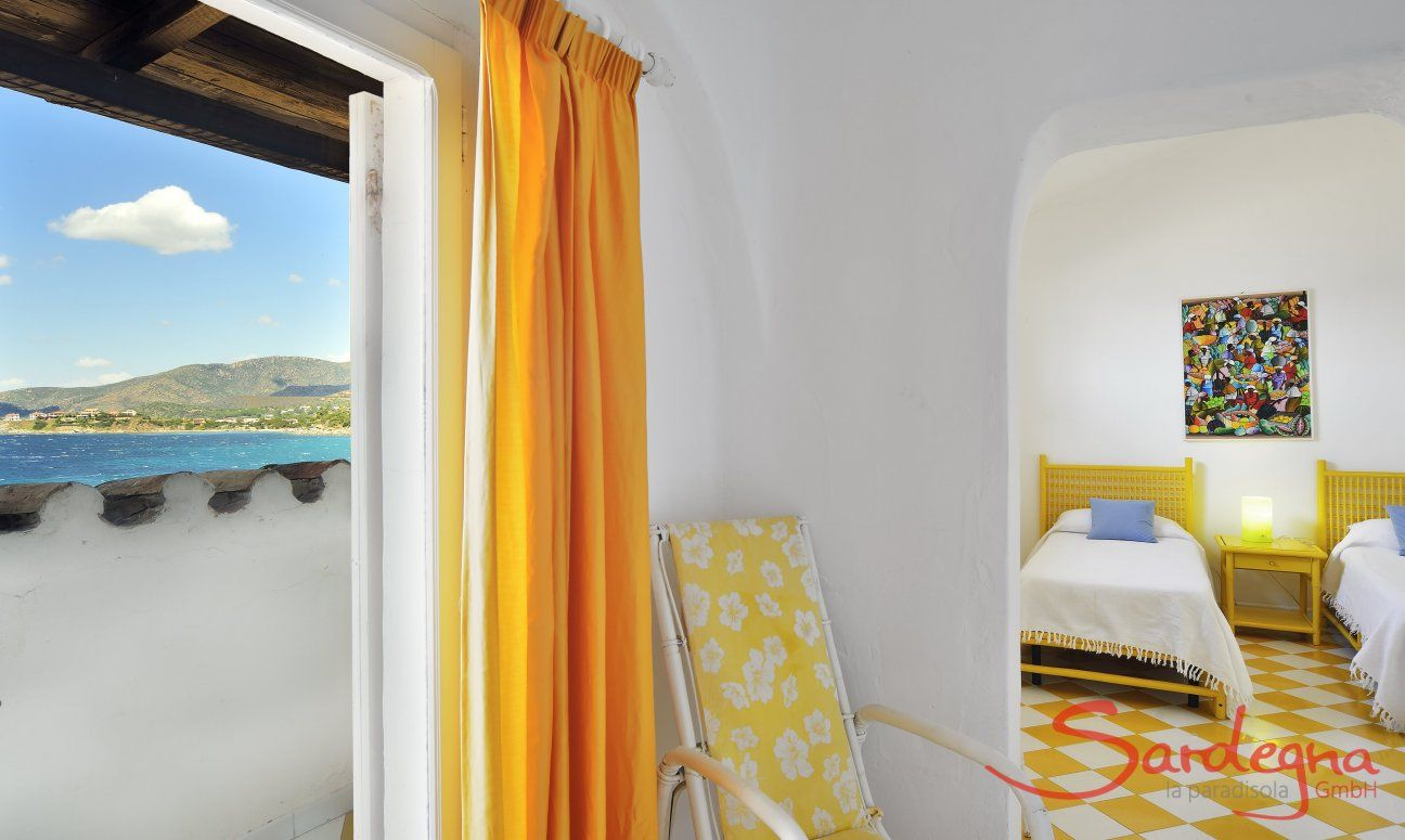 Einliegerwohnung mit Schlafzimmer und Meerblick