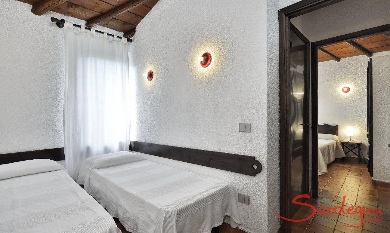 Schlafzimmer 2 und 3 mit Einzelbetten