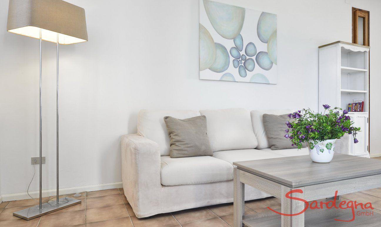 Moderne Sofa-Ecke im Wohnbereich (1. Stock)