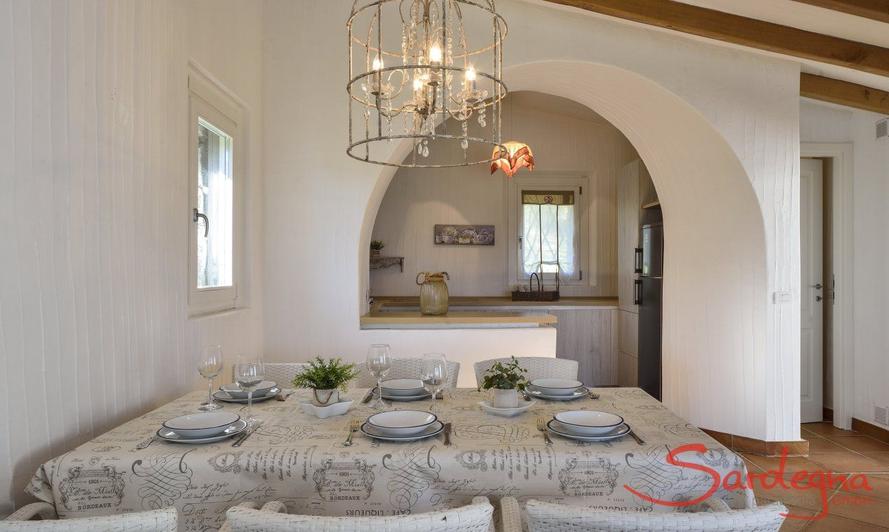 Essplatz mit Blick in Küche  Li Conchi 7