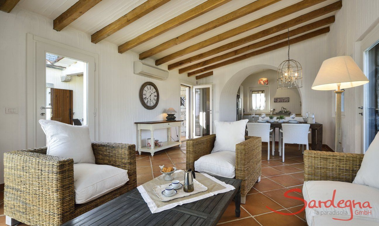 Wohn- und Essbereich des Ferienhauses Li Conchi 9, Cala Sinzias