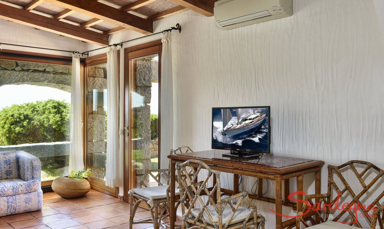 Wohnzimmer mit Garten-und Terrassenzugang