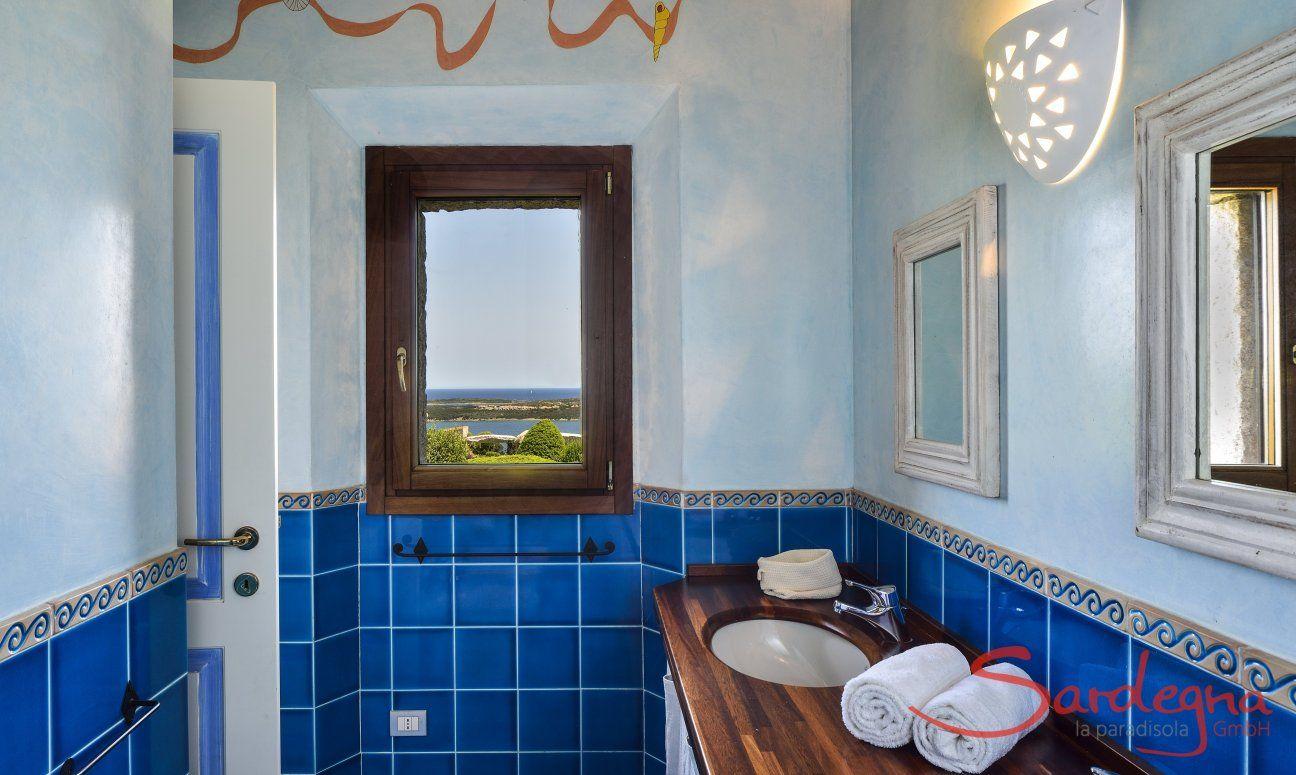 Badezimmer 2 mit Dusche und zwei Waschbecken