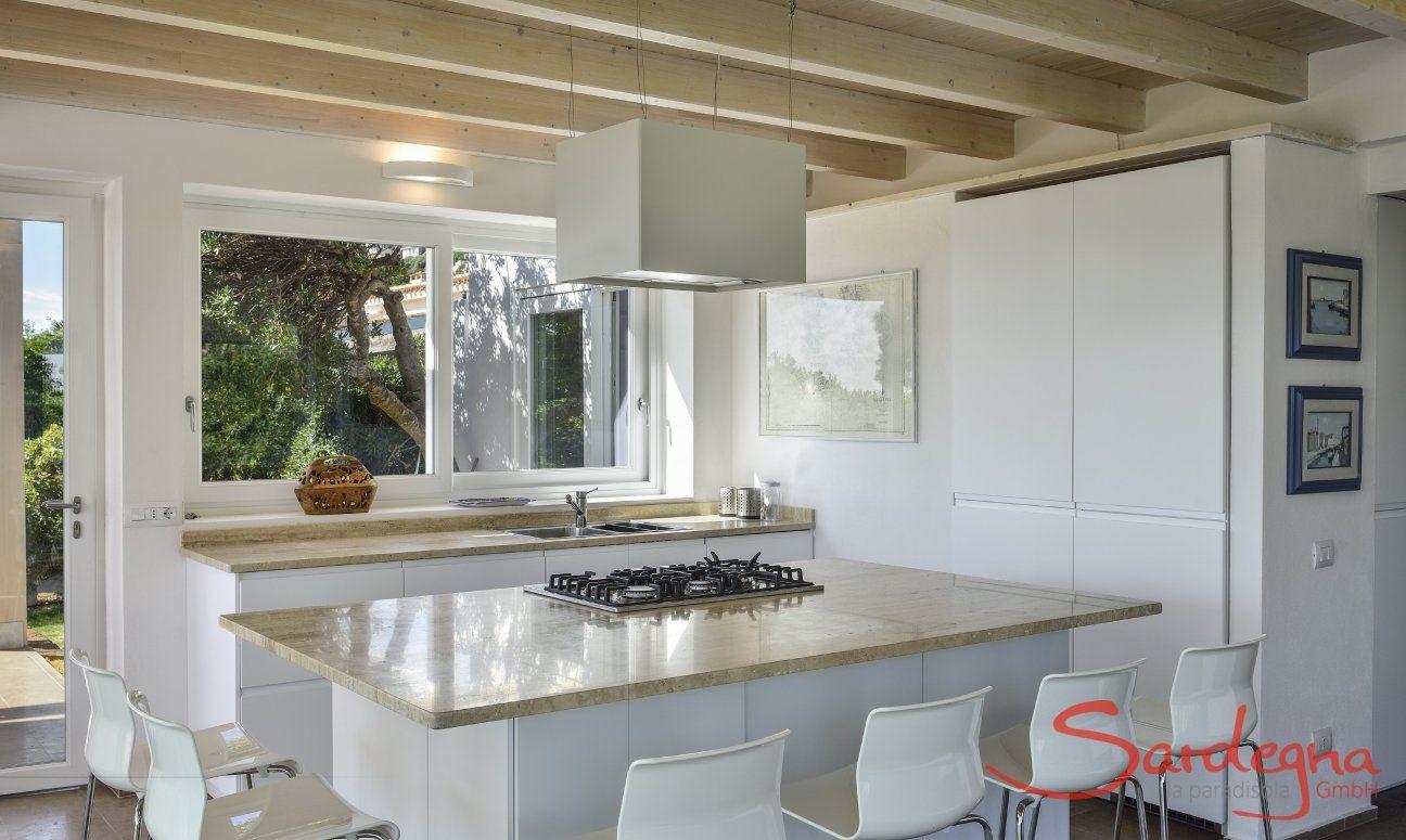 Moderne, vollausgestattete Wohnküche