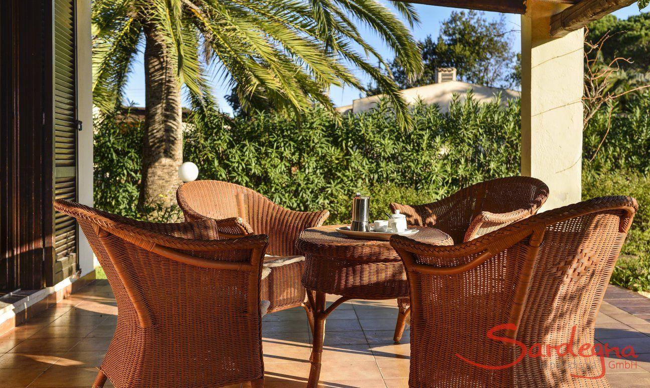Lounge-Bereich auf der Terrasse