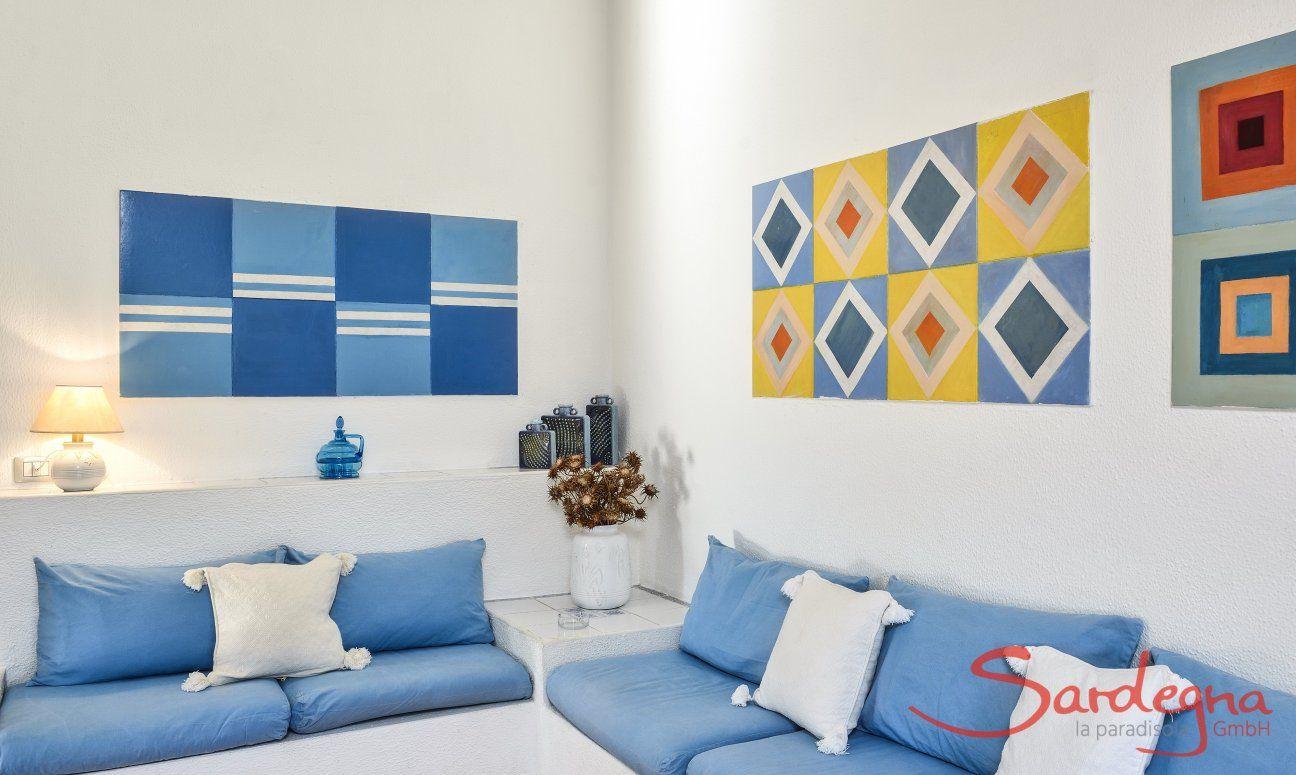 Große, moderne Sitzecke im Wohnzimmer