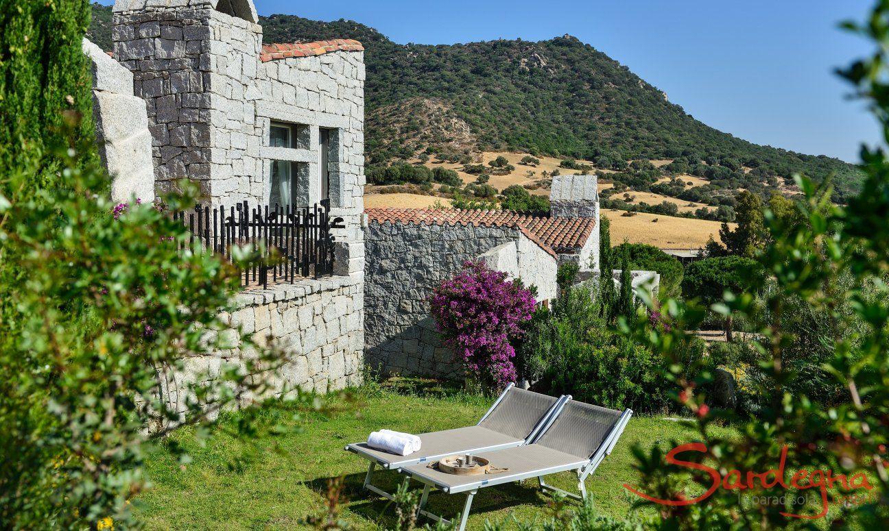 Natürlicher, mediteraner Garten Ferienhaus Li Conchi 5