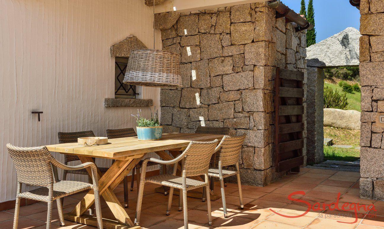 Esstisch im Freien auf der Terrasse von Li Conchi 5