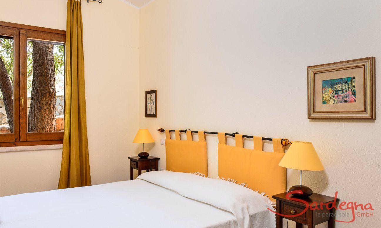 Helles Schlafzimmer 5 mit Doppelbett