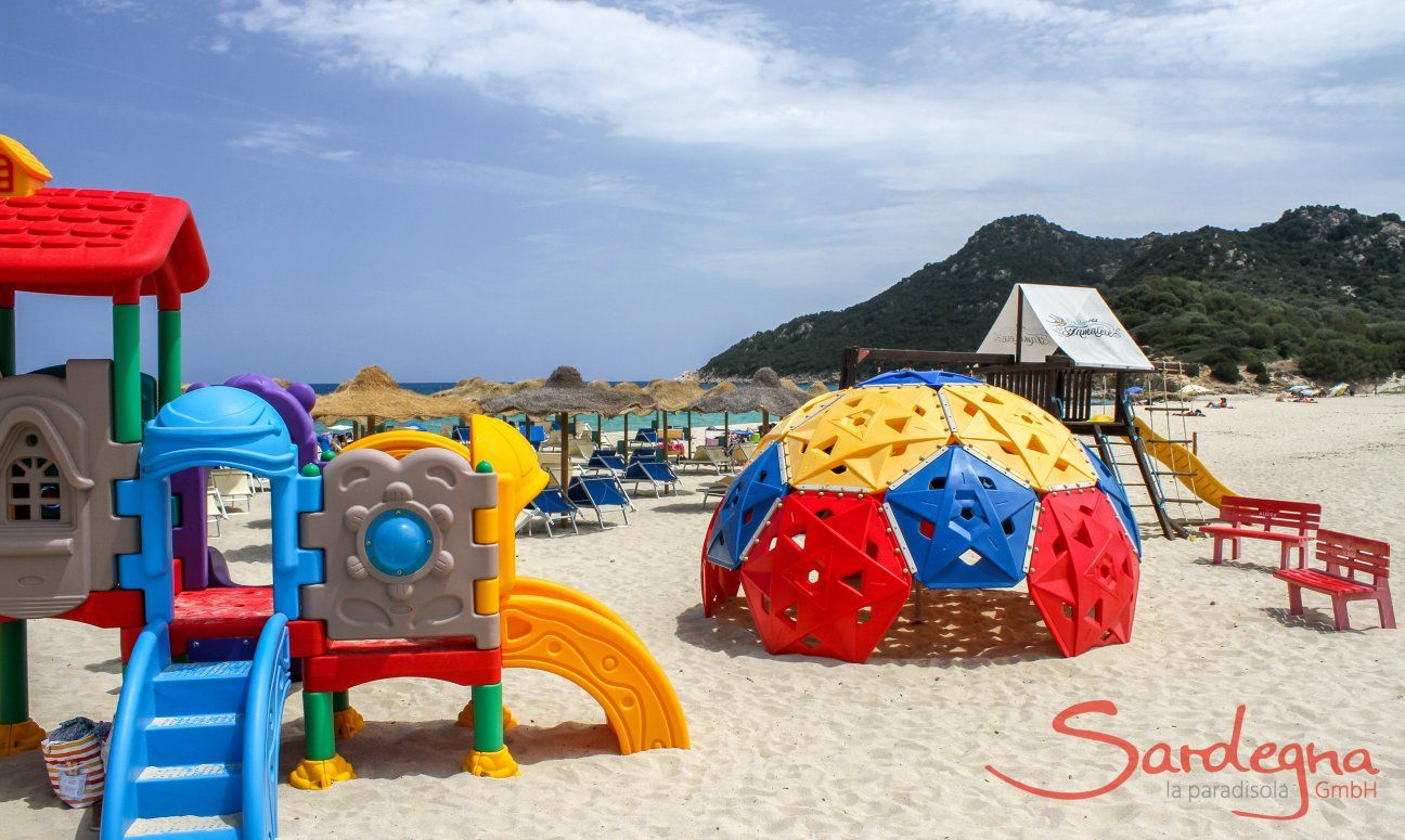 Kinderspielplatz Tamatete am Strand Cala Sinzias