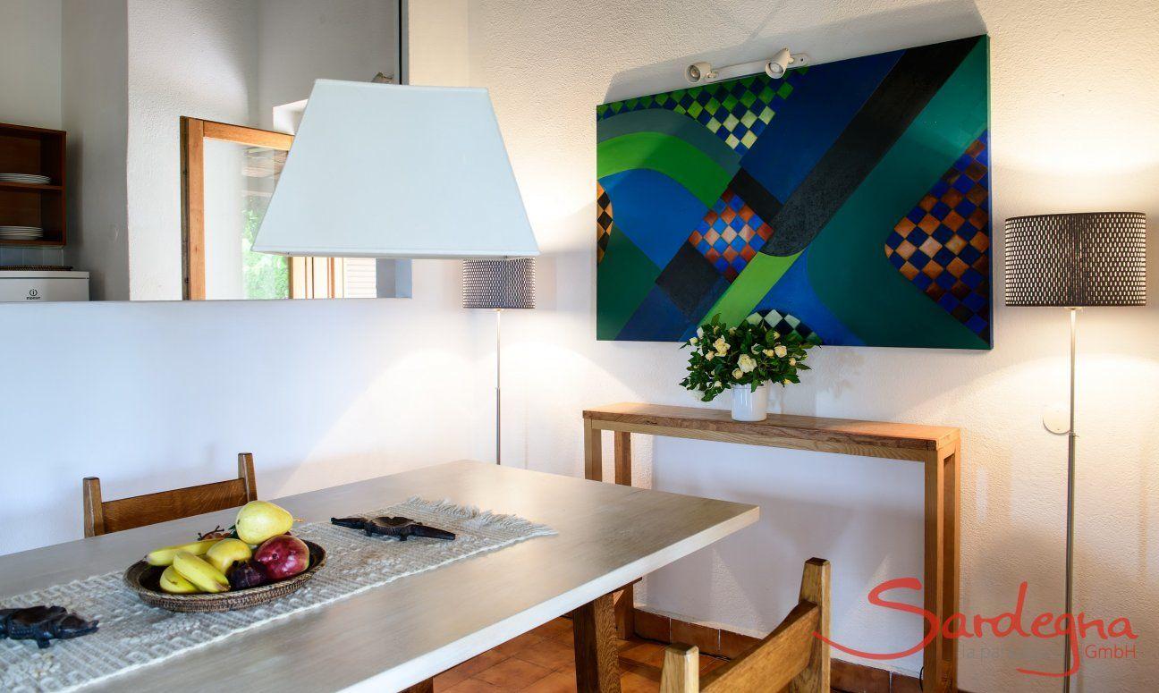 Essbereich mit Durchreiche zur Küche