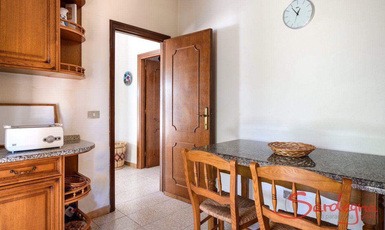 Küche mit Granitbar