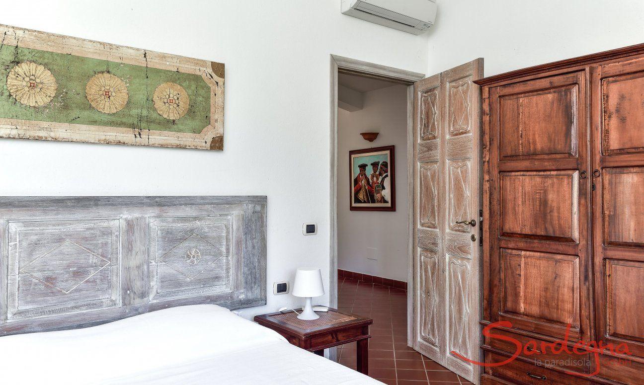 Schlafzimmer 1 im Westflügel mit Doppelbett