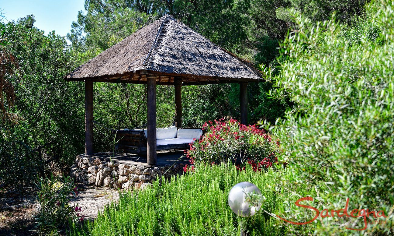 Pavillon im Garten zum relaxen