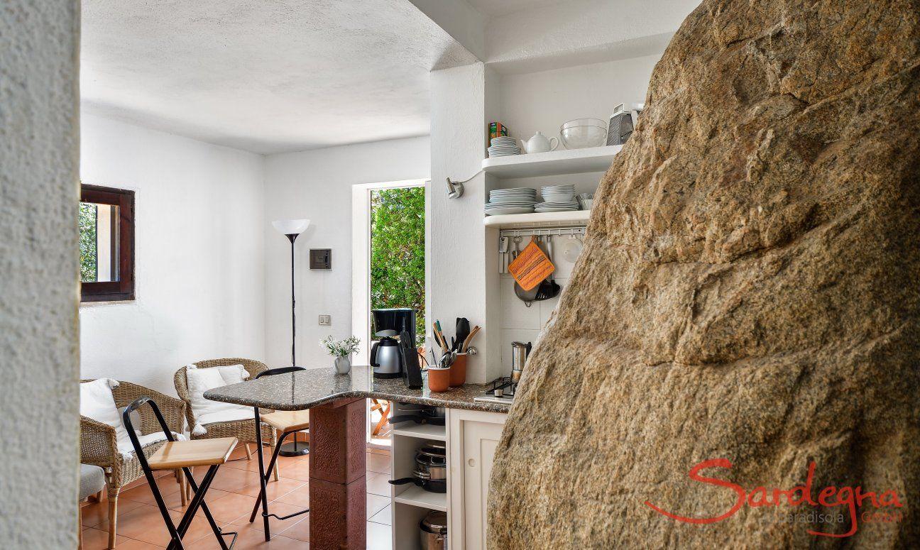Blick auf Küche, Bar und Eingang