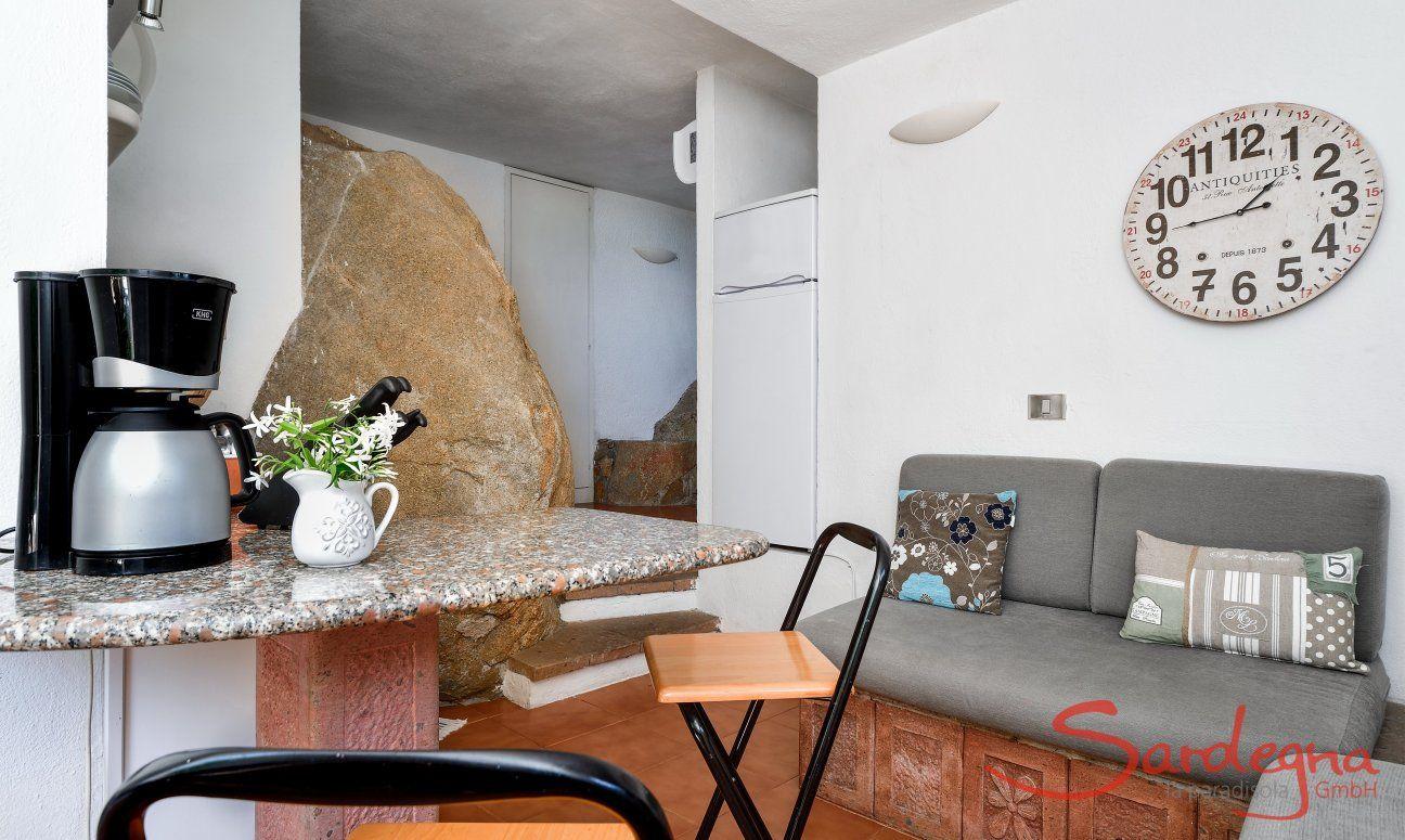 Bar aus Granit