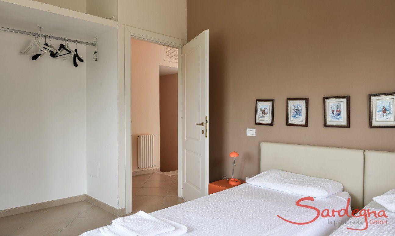 Schlafzimmer 3 mit zusammenschiebbaren Einzelbetten