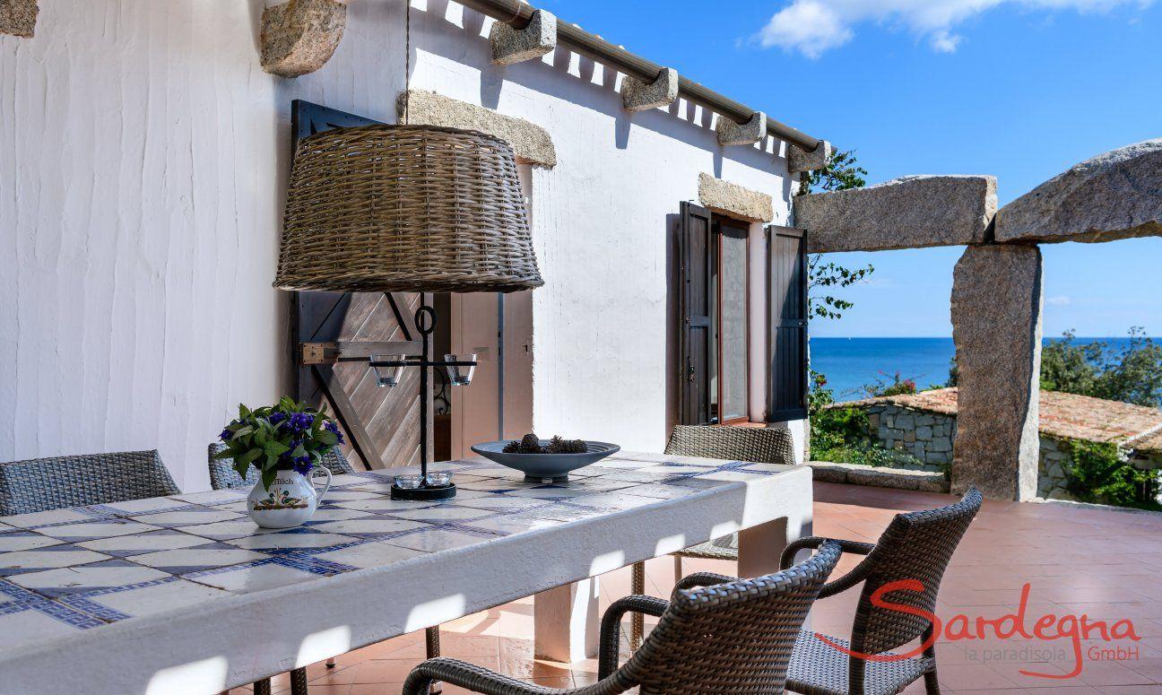 Terrasse mit Esstisch und Meerblick, Casa 15, Sant Elmo