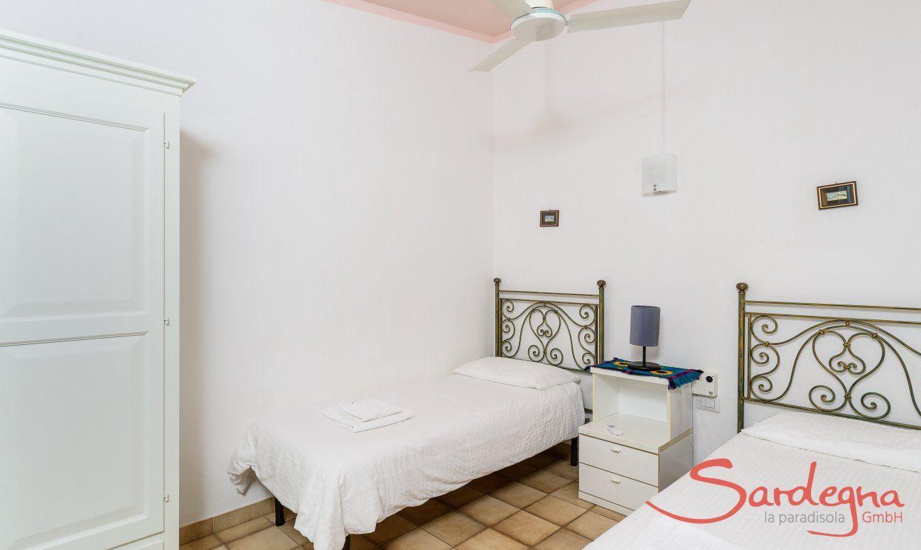 Schlafzimmer mit 2 Einzelbetten Meloni 2 in Sant Elmo
