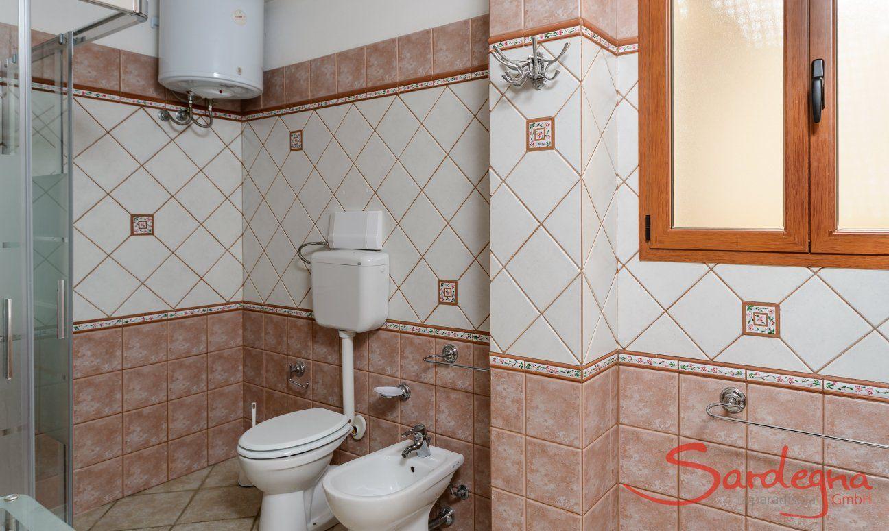 Bad 2 mit Dusch im Untergeschoß