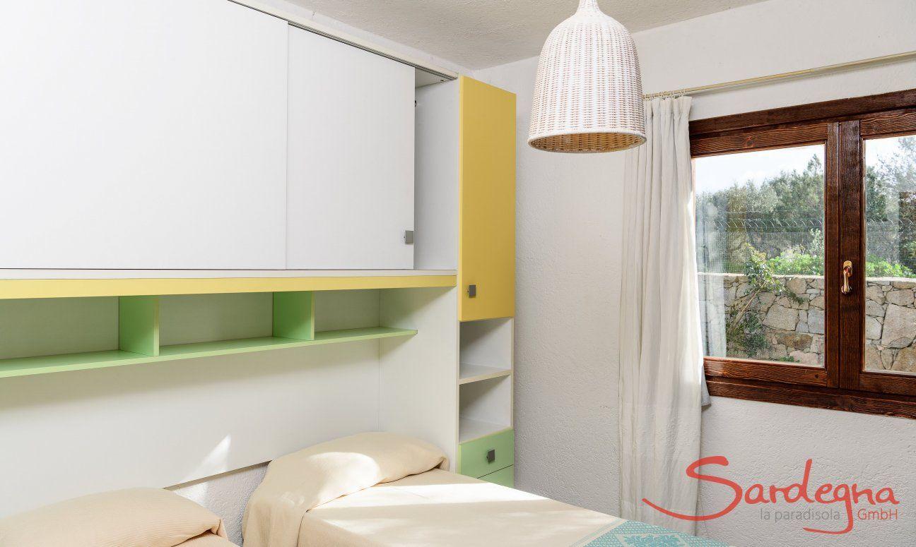 Zweites Schlafzimmer mit zwei Betten