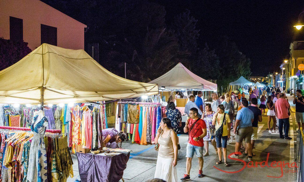 Abendlicher Markt in Golfo Aranci