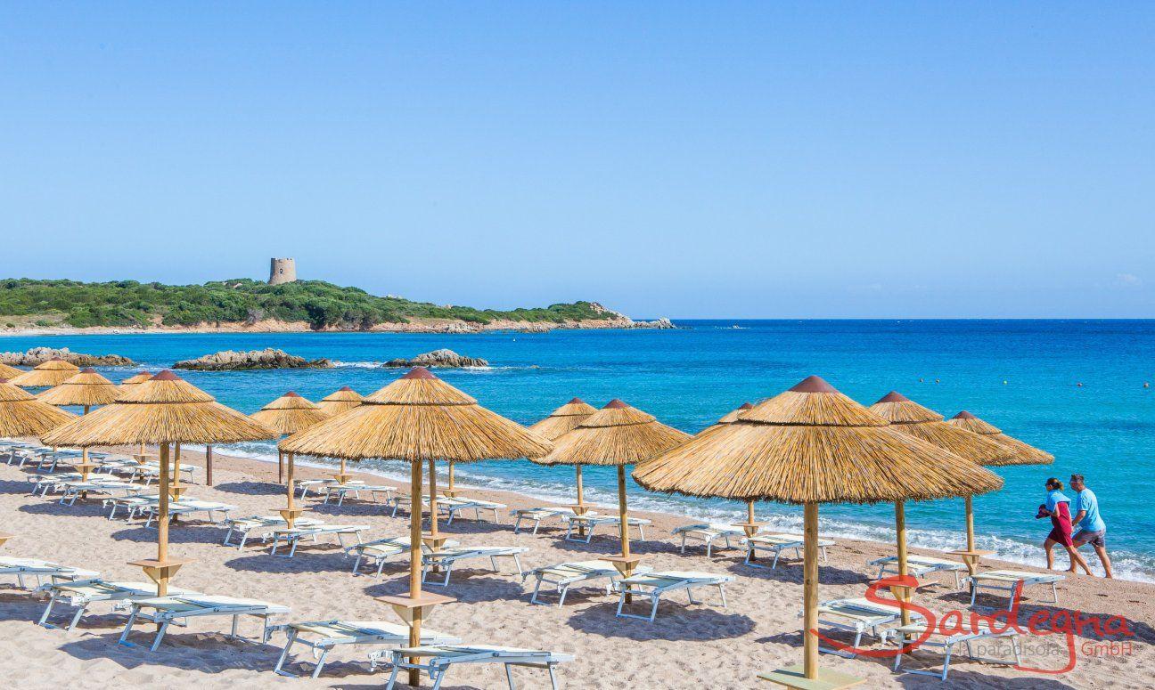 Strandbad mit Sonnenschirm- und Liegenverleih in Vignola Mare