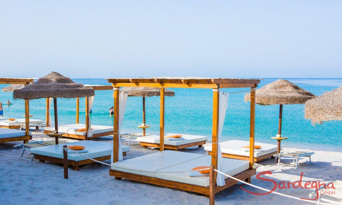 Luxus Strandliegen Verleih am Strand von Maria Pia Alghero