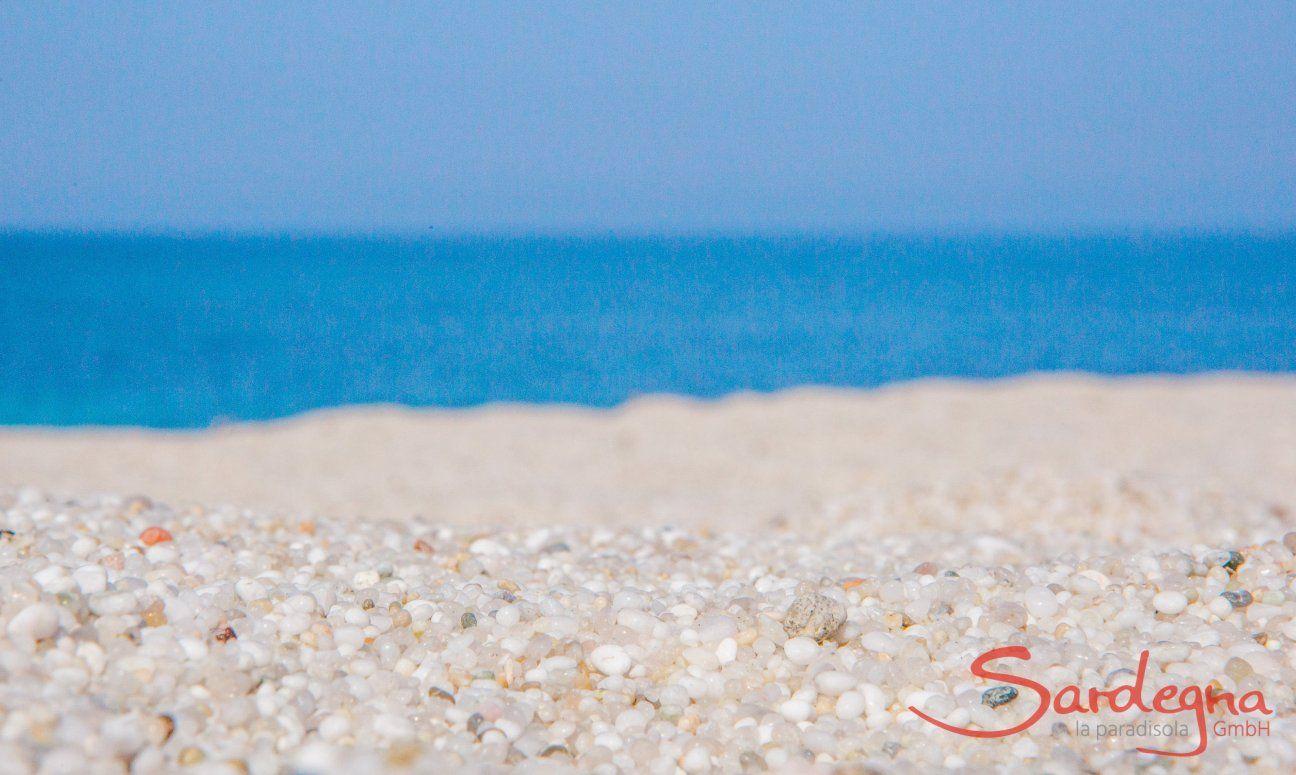 Das besondere an Is Arutas ist der grobkörnige, weiße, fast reisartige Sand