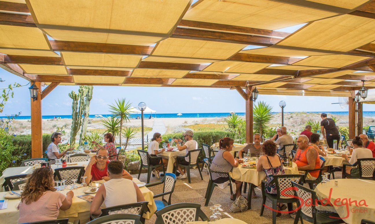 Strandrestaurant am Strand von San Giovanni - Foxi
