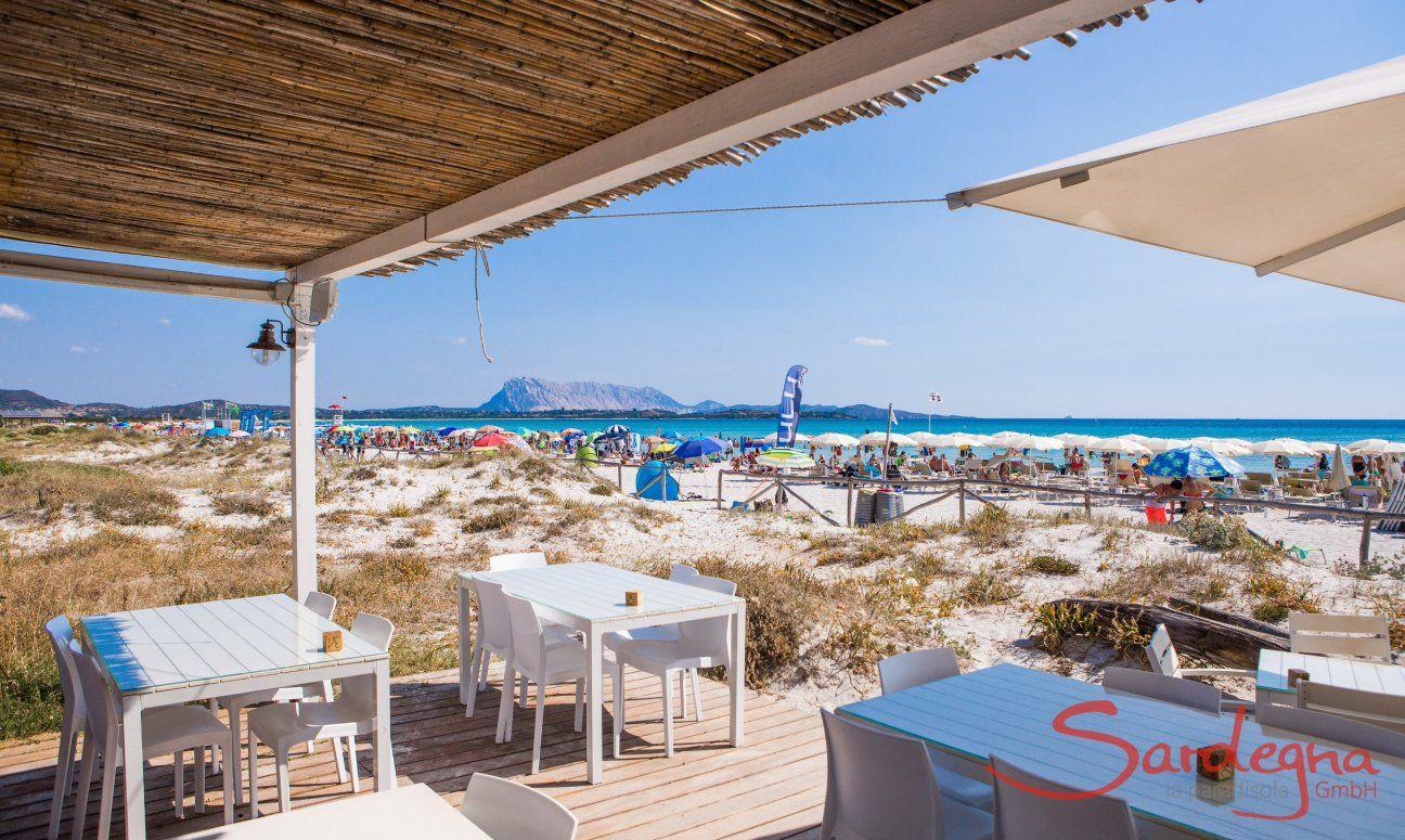 Strandrestaurant am gutbesuchten Strand La Cinta San Teodoro, Olbia