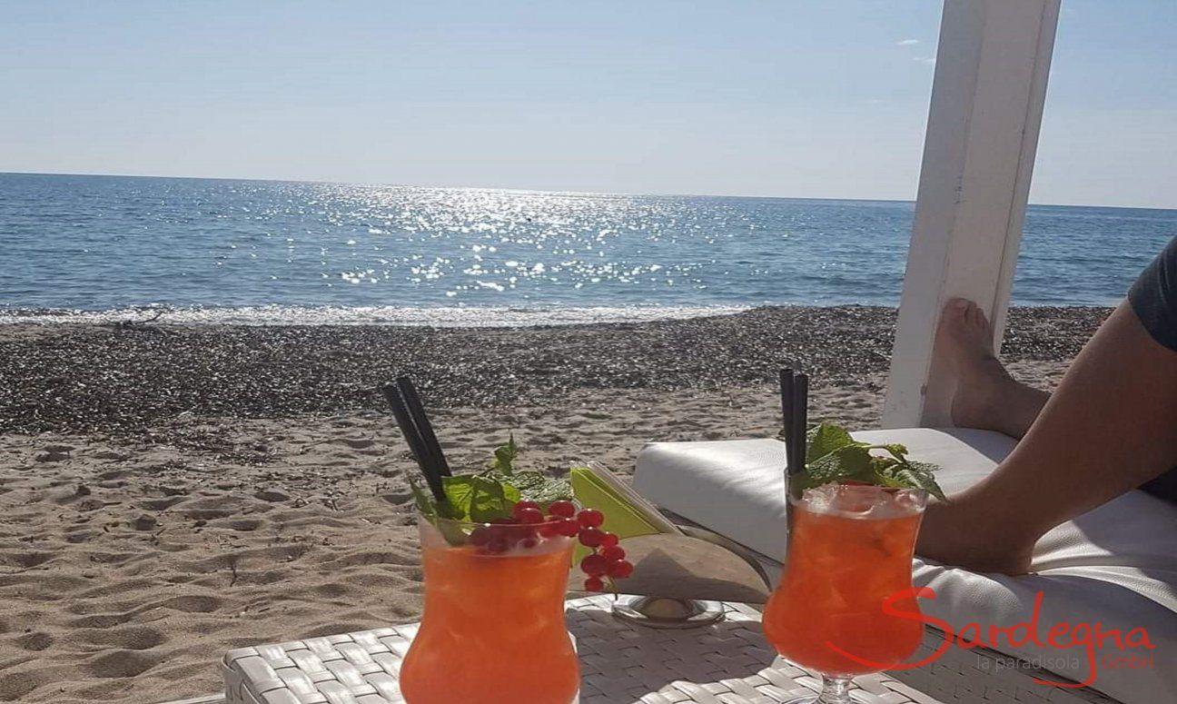 Aperitif am Strand von Cagliari