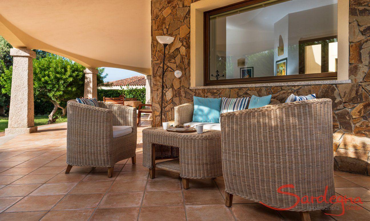 Aussenbereich mit Garten und Terrasse