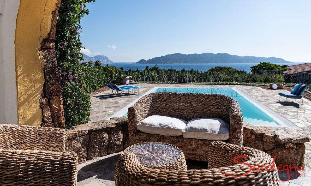 Lounge und Pool Villa Maestrale, Olbia